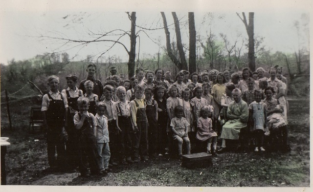 Hardies Crk School Picnic (640x393)
