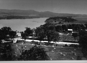View of east side from High cliff Cemetery 1900.jpg