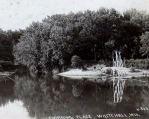 swimming hole 1922.jpeg (640x512)