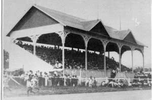 Old Grandstand (800x528)