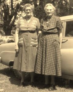Sophia Sjuggerud Carrie Anderson ( left) (638x800)